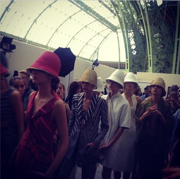 Прямой репортаж  с Paris Fashion Week:  День 6. Изображение № 16.