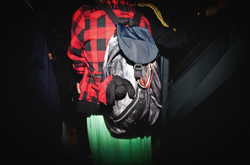 Неоновый дресс-код  на открытии летнего  сезона в баре Strelka. Изображение № 15.