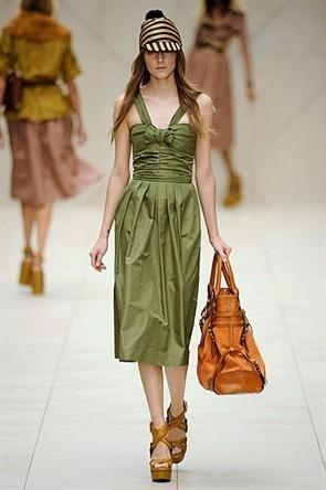 London Fashion Week: Показ Burberry Prorsum в Кенсингтонских садах. Изображение № 17.
