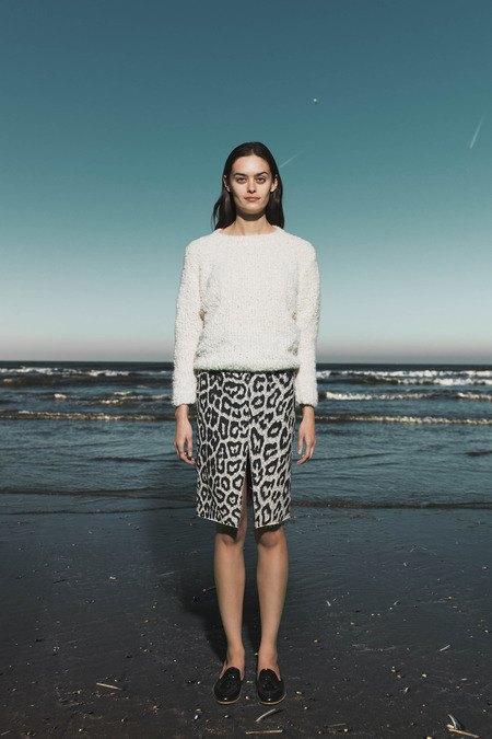 Леопардовые пальто и кружевные юбки в лукбуке Sea. Изображение № 8.