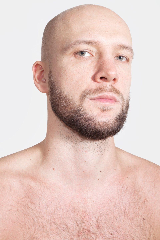 Голые и серьёзные:  Мужчины об отношении  к своему телу. Изображение № 1.