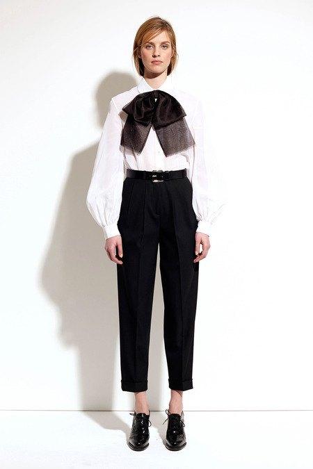 Пальто и костюмы в лукбуке новой коллекции Michael Kors. Изображение № 5.