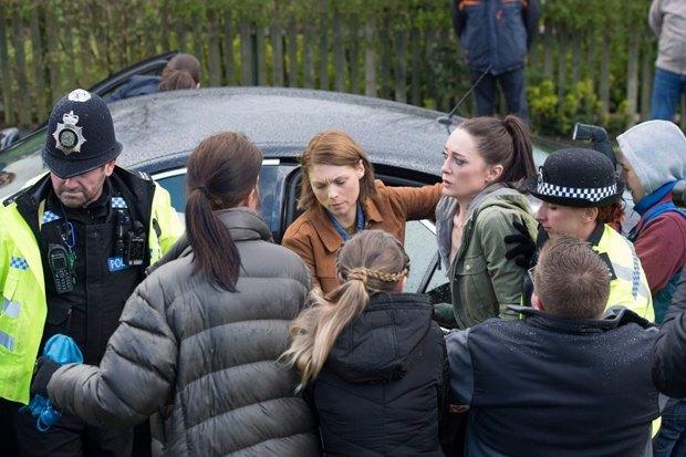 Беременность как главная интрига полицейского сериала «В темноте». Изображение № 2.
