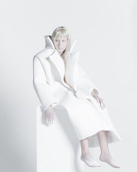 Melitta Baumeister:  Скульптурные вещи из пластичного силикона. Изображение № 2.