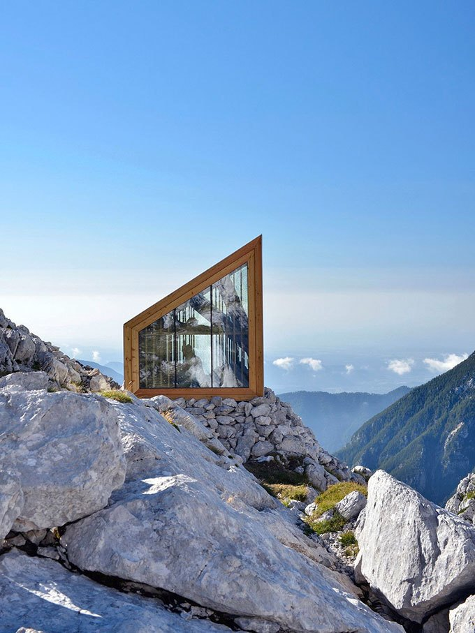 Горное убежище для хайкеров и альпинистов. Изображение № 6.
