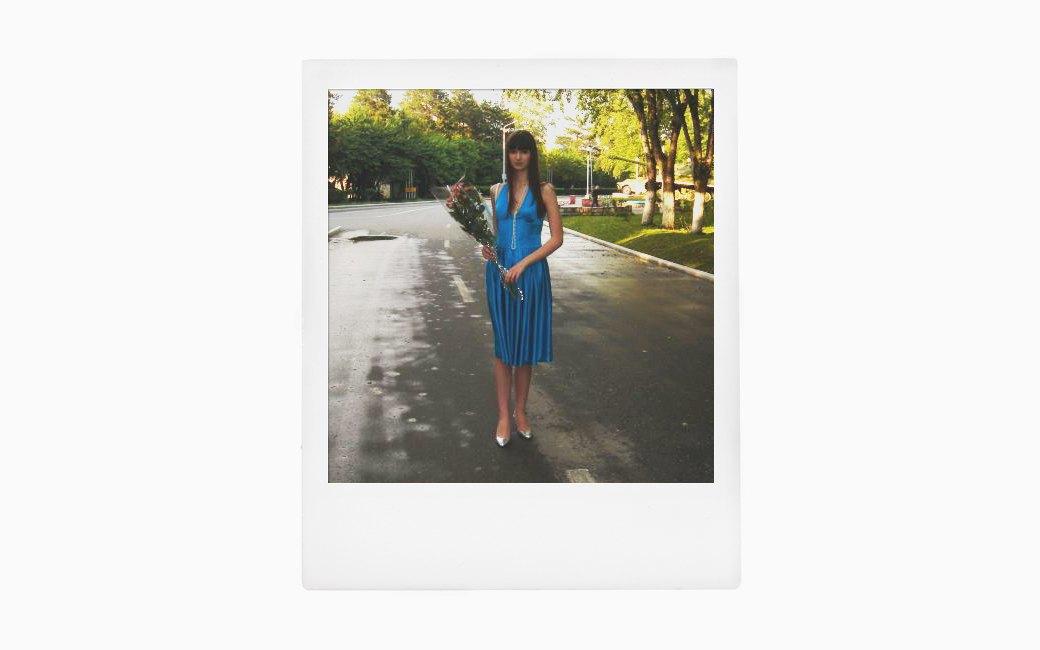 Вспомнить всё:  Девушки о своих  выпускных платьях. Изображение № 11.