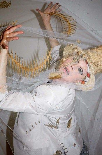 Звезда «Игры престолов» снялась в рекламе Vivienne Westwood. Изображение № 2.
