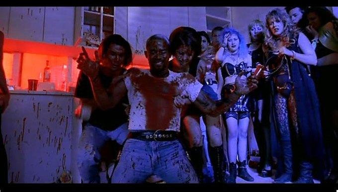 Что можно узнать  о стиле 90-х из фильма Грегга Араки «Нигде». Изображение № 51.