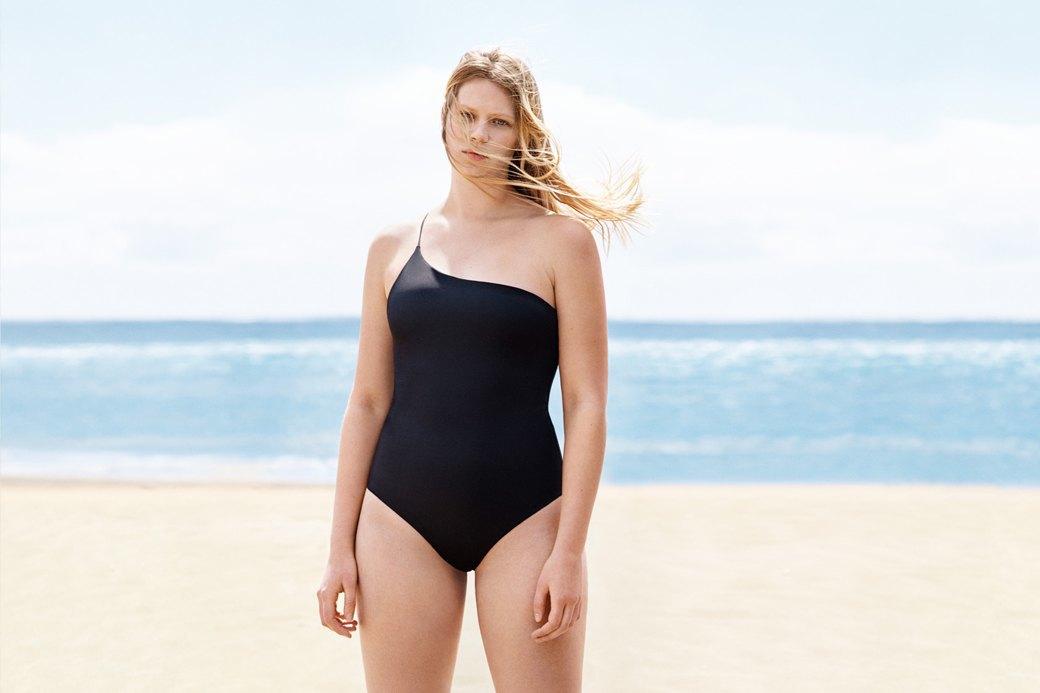 Как менялась пляжная мода: От купальных платьев к бикини  и обратно. Изображение № 18.