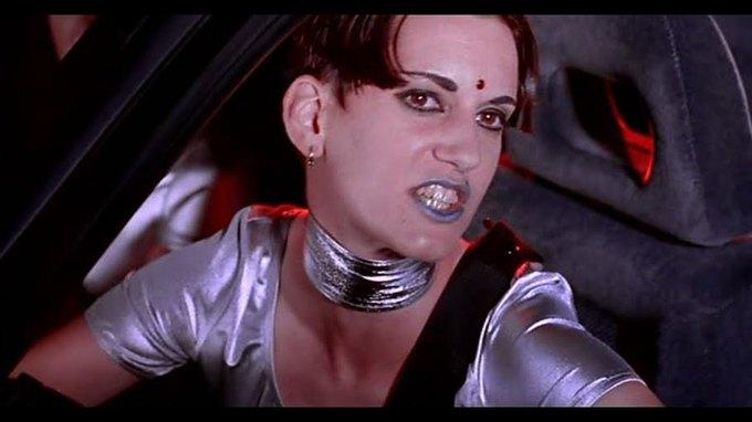 Что можно узнать  о стиле 90-х из фильма Грегга Араки «Нигде». Изображение № 36.