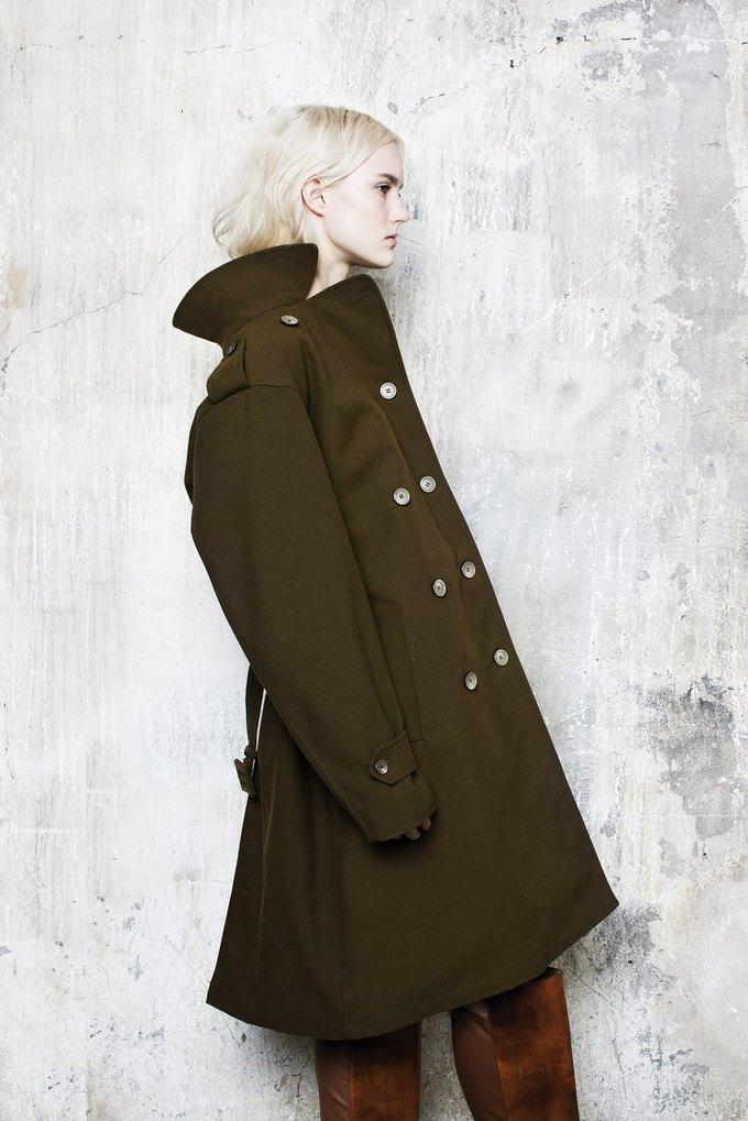 Объемная верхняя одежда в коллекции Maison Martin Margiela. Изображение № 1.