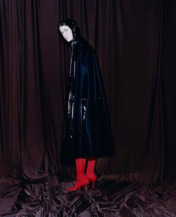 Харли Вейр сняла фетишистскую кампанию для Balenciaga. Изображение № 3.