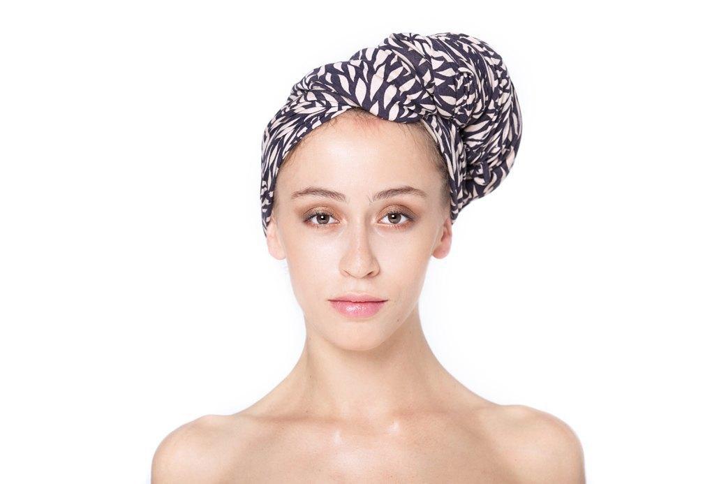 7 способов повязать платок  на голову. Изображение № 13.