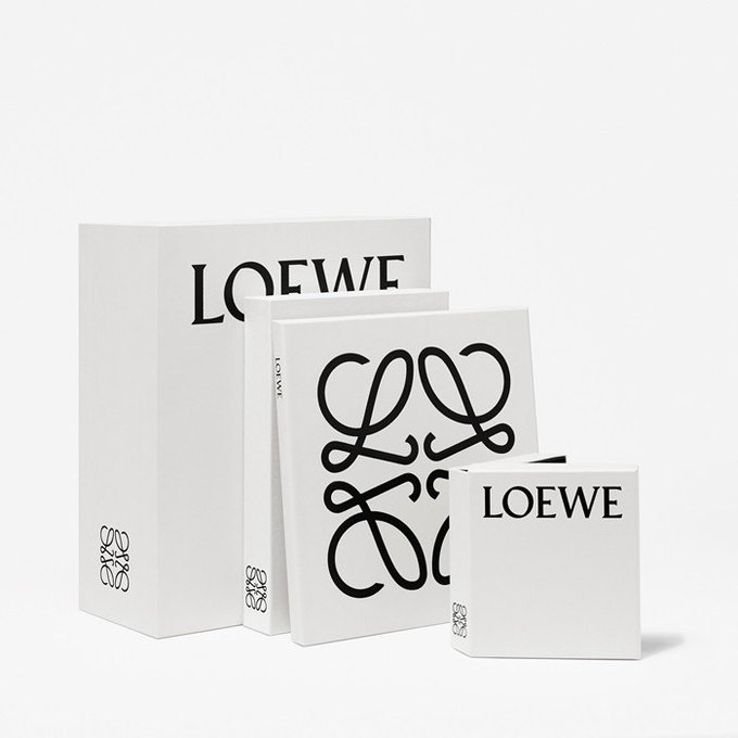 Джонатан Андерсон проводит редизайн Loewe. Изображение № 1.