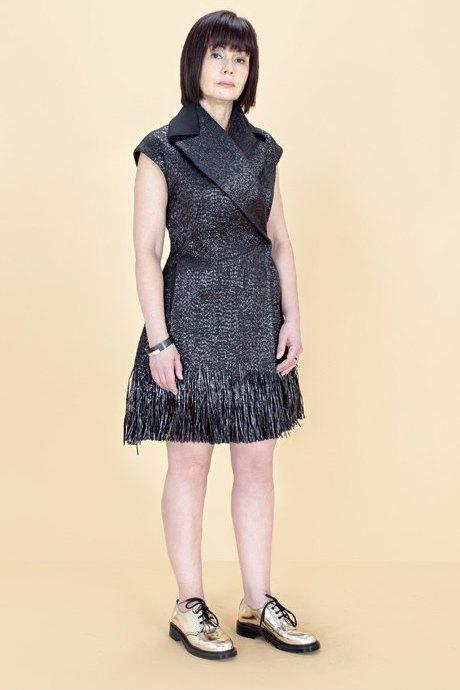 Женщины старше 50 примеряют модные образы. Изображение № 29.