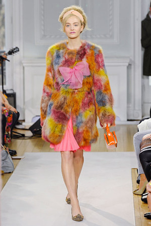 Moschino Cheap & Chic FW 2012 . Изображение № 70.