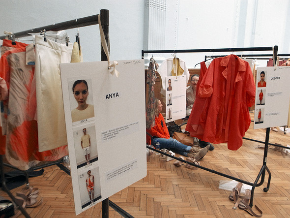 London Fashion Week: Репортаж с бэкстейджей Richard Nicoll и Nicole Farhi. Изображение № 30.