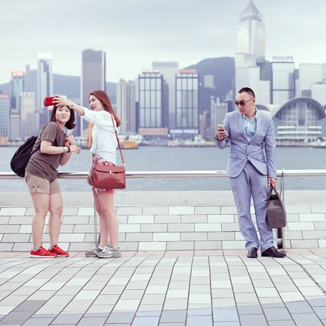 «Self Promenade»: Любители селфи в Гонконге. Изображение № 5.