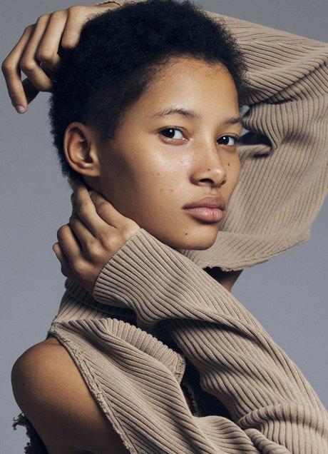 10 молодых и успешных моделей с нетипичной внешностью. Изображение №13.