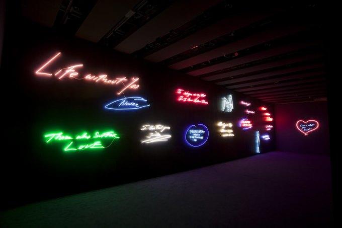 Работы Трэйси Эмин на выставке в лондонской Hayward Gallery в 2011 году. Изображение № 4.