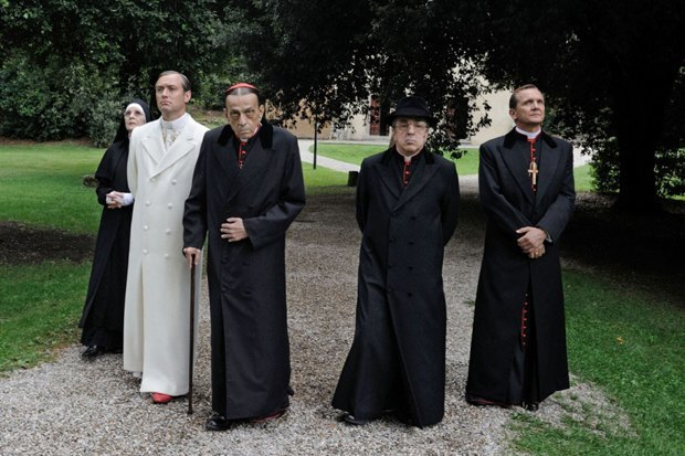 «Молодой папа»: Сериал Соррентино cДжудом Лоу обинтригах вВатикане. Изображение № 6.