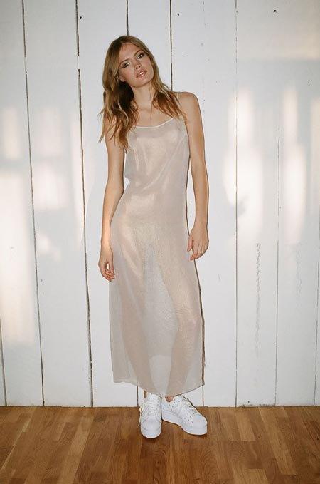 Пижамы, комбинации и халаты в новой коллекции Walk of Shame. Изображение № 3.