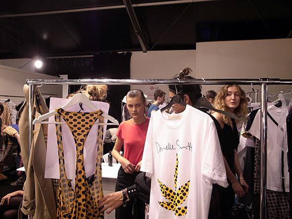 London Fashion Week: Бэкстейдж Danielle Scutt. Изображение № 4.