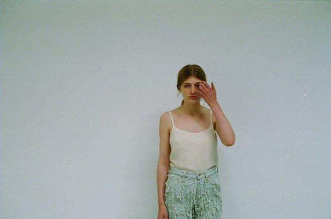 Джинсы цвета мяты и махровые куртки в лукбуке Faustine Steinmetz. Изображение № 11.