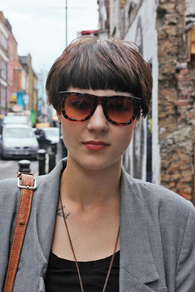 Шапки, татуировки и драгметаллы на жителях Лондона. Изображение № 18.