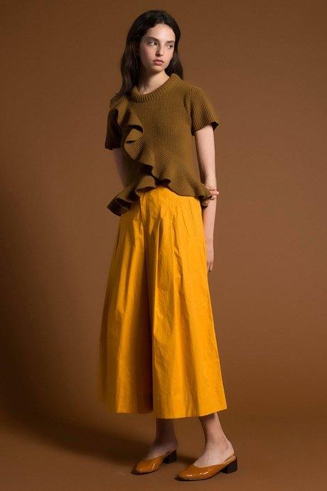 Что носить летом: 10 образов со всеми оттенками жёлтого. Изображение № 14.