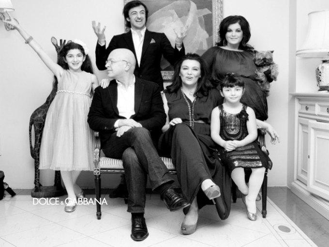 Dolce & Gabbana запустили проект, пропагандирующий семейные ценности. Изображение № 5.