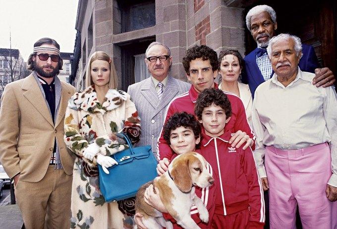 Гвинет Пэлтроу в «Семейке Тененбаум». На ней пальто Valentino и сумка Hermès. Изображение № 14.