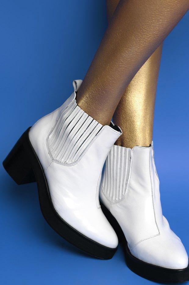 Ревизия:  6 пар массивной обуви . Изображение № 5.