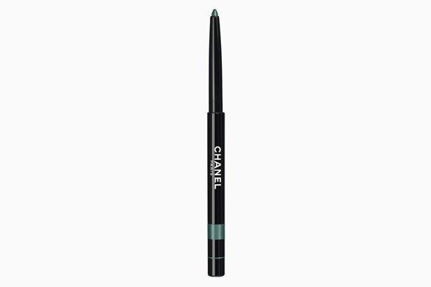 Карандаш для глаз Chanel Stylo Yeux Waterproof Long-Lasting Eyeliner Pacific Green. Изображение № 15.
