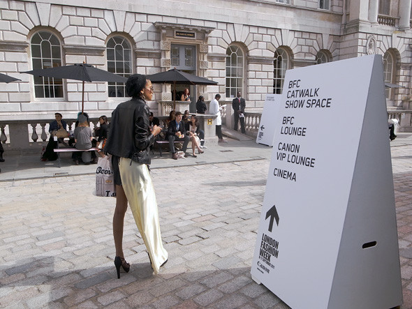 London Fashion Week: Репортаж с первого дня. Изображение № 1.