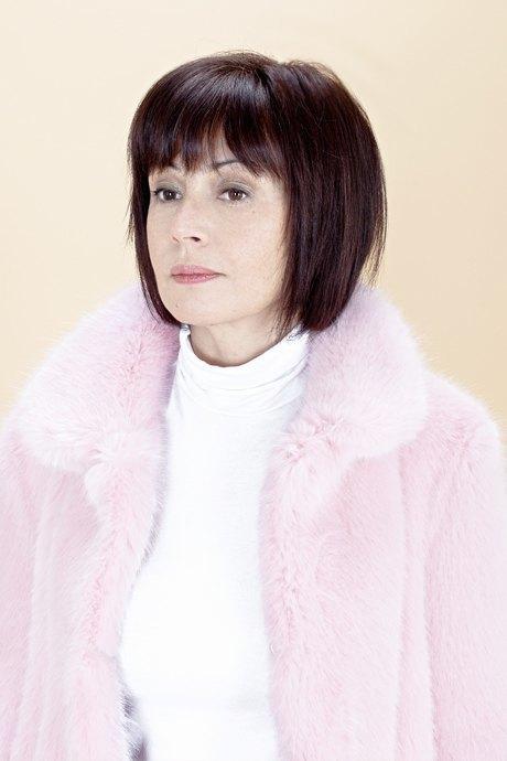 Женщины старше 50 примеряют модные образы. Изображение № 14.