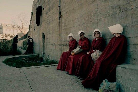 Без права на себя: Женское рабство в антиутопии «Рассказ служанки». Изображение № 8.