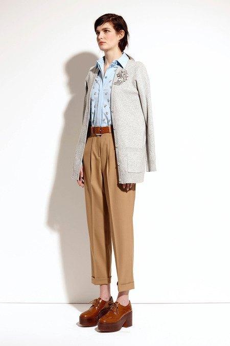 Пальто и костюмы в лукбуке новой коллекции Michael Kors. Изображение № 33.