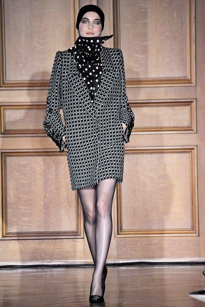 Christian Lacroix Couture FW 2009. Изображение № 3.