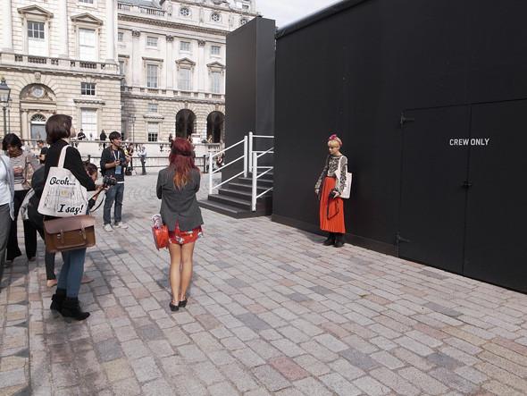 London Fashion Week: Репортаж с первого дня. Изображение № 7.