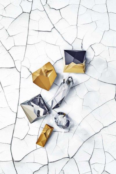 Жан-Поль Готье создал коллекцию «неидеальных» кристаллов для Swarovski. Изображение № 1.