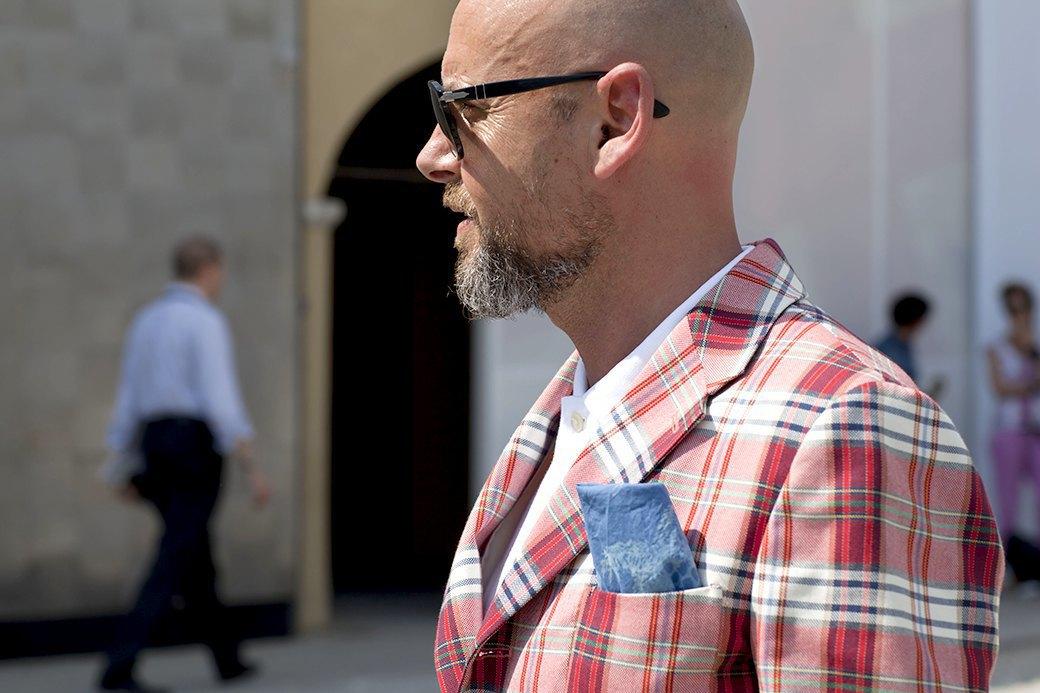Красивые  мужчины  на Pitti Uomo. Изображение № 25.