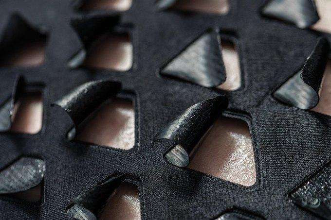 В MIT изобрели одежду, «дышащую»  с помощью бактерий . Изображение № 3.