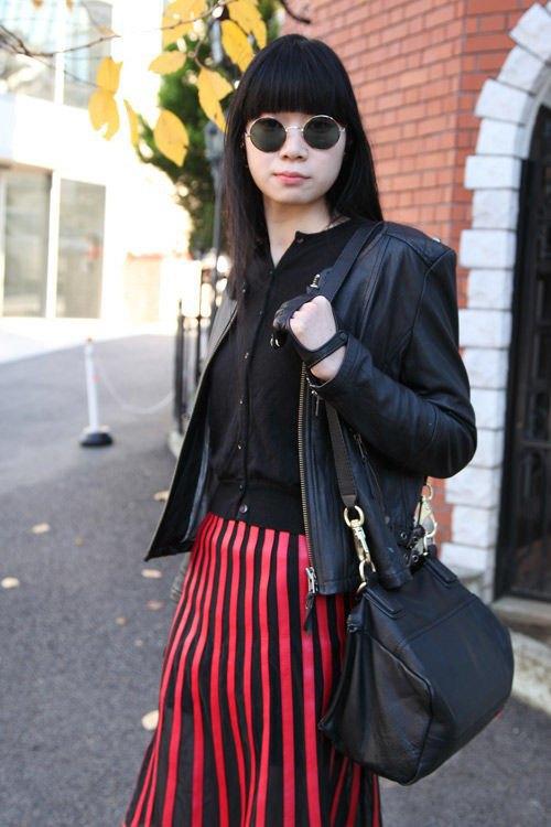 Красные шапки и бархатные ботинки на улицах Токио. Изображение № 6.