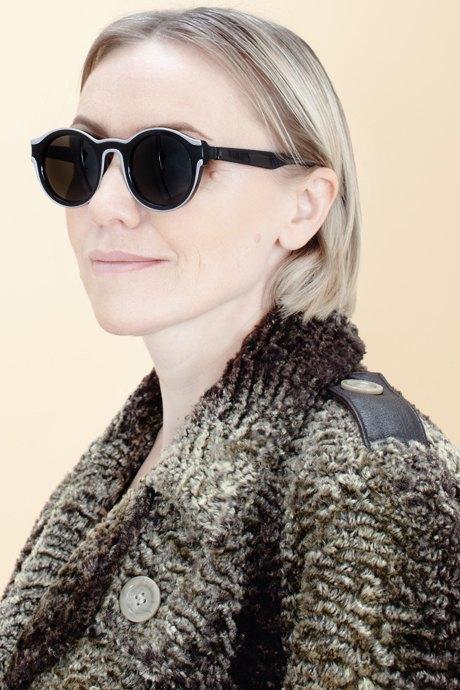 Женщины старше 50 примеряют модные образы. Изображение № 34.