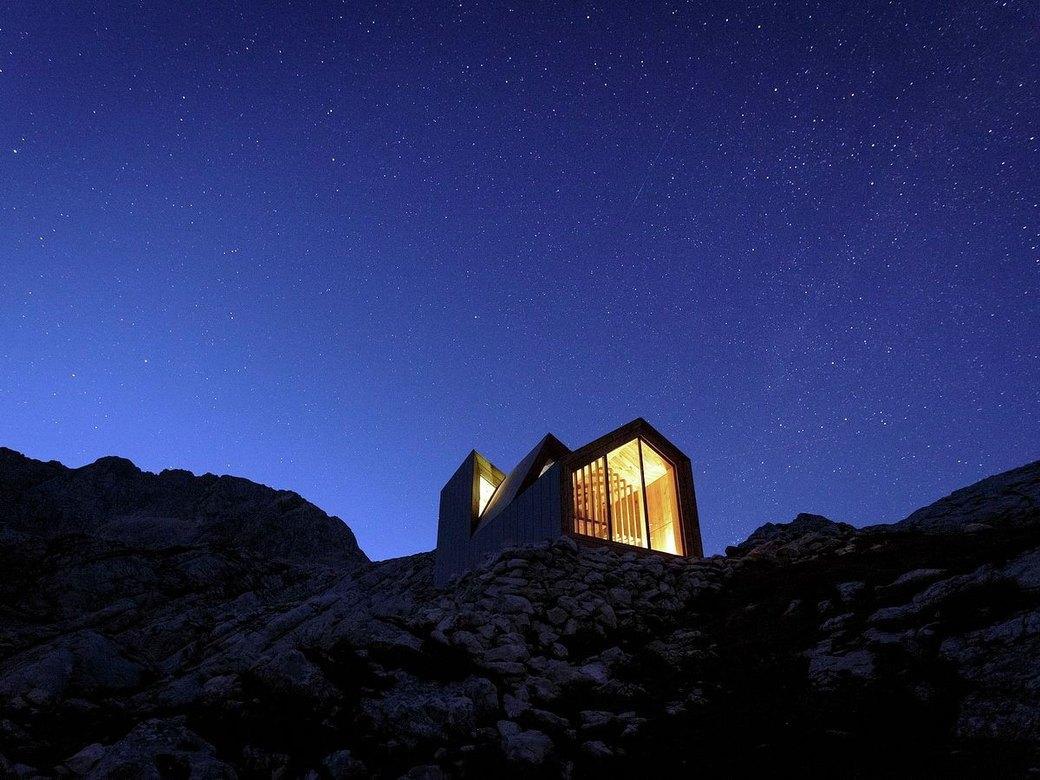 Горное убежище для хайкеров и альпинистов. Изображение № 7.