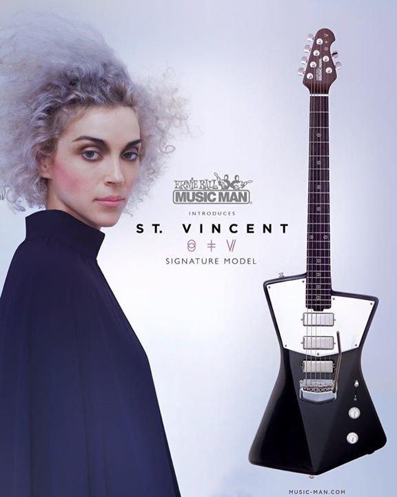 St. Vincent разработала дизайн гитары, удобной  для женской груди. Изображение № 1.