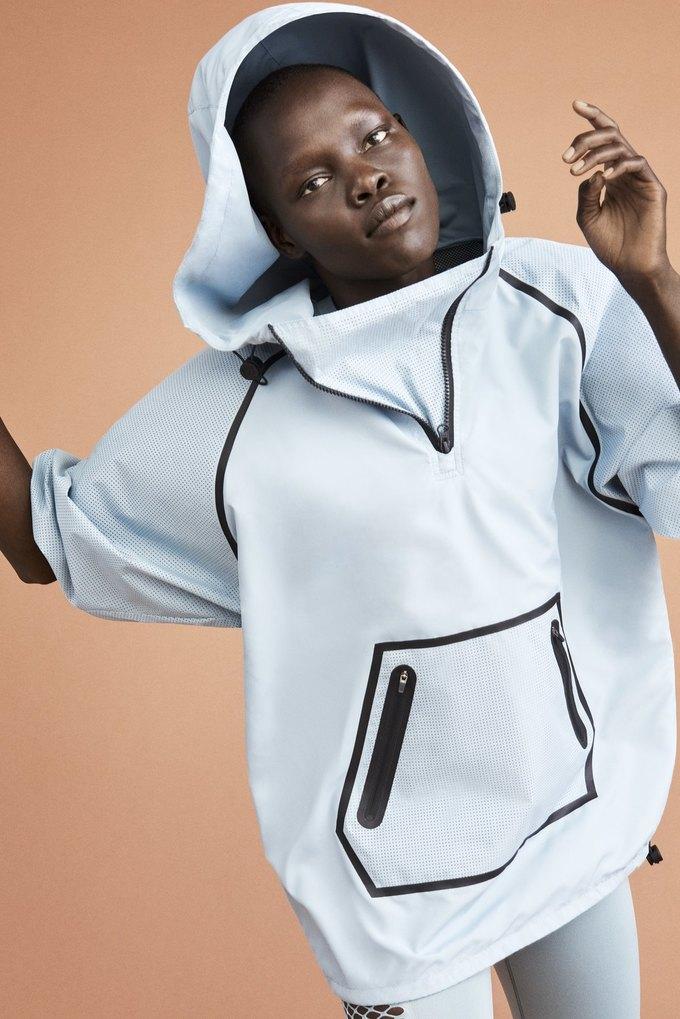 Одежда спортивной марки Бейонсе Ivy Park будет продаваться в России. Изображение № 11.