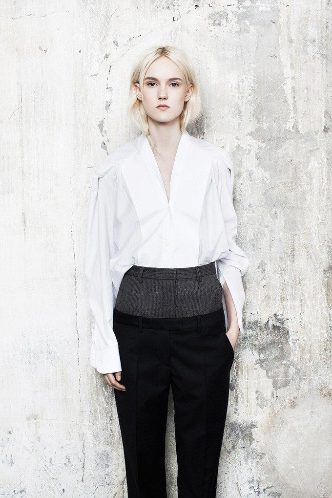 Объемная верхняя одежда в коллекции Maison Martin Margiela. Изображение № 9.