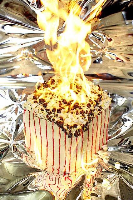 Фотограф изобразил процесс сжигания калорий буквально. Изображение № 4.